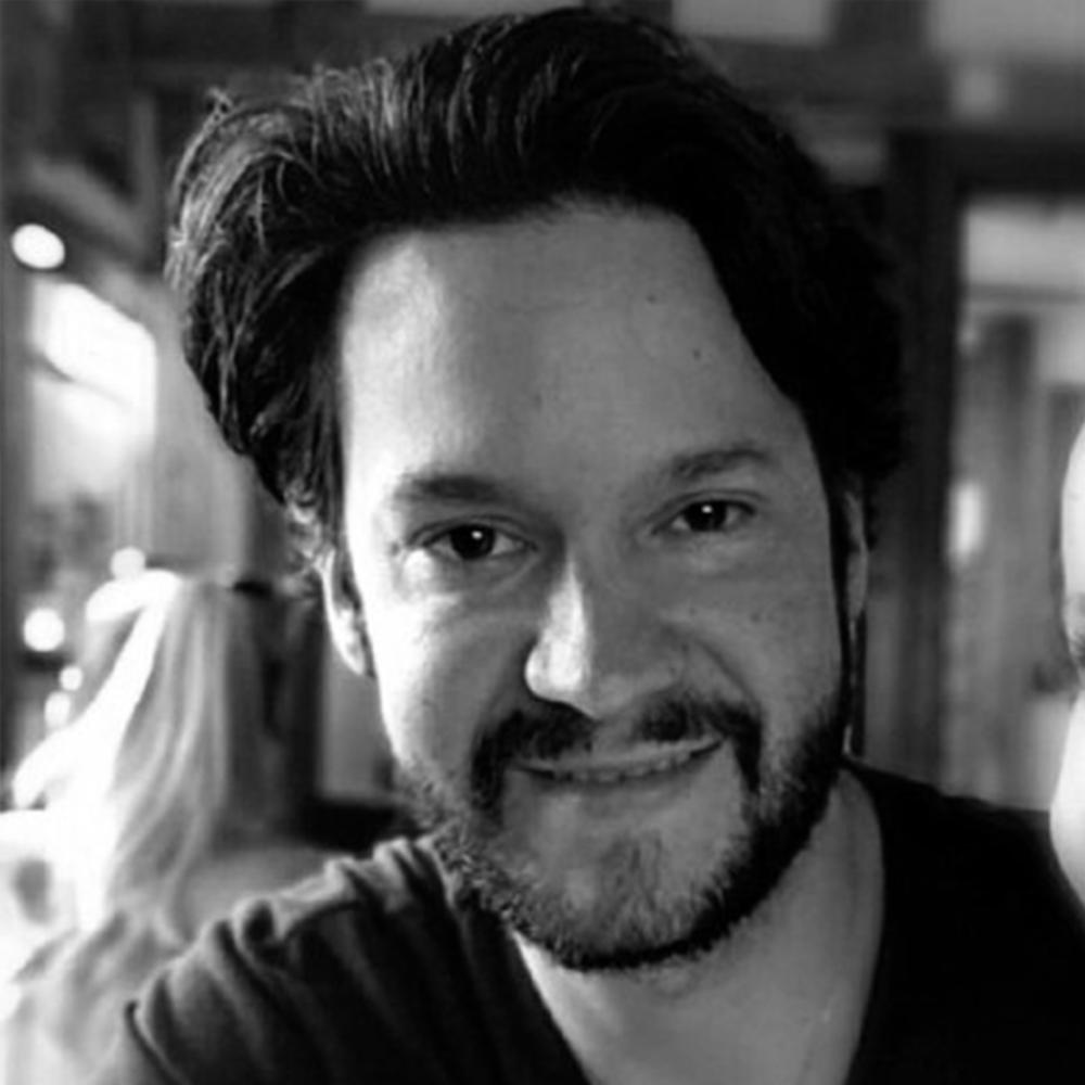 Alberto Romero copy